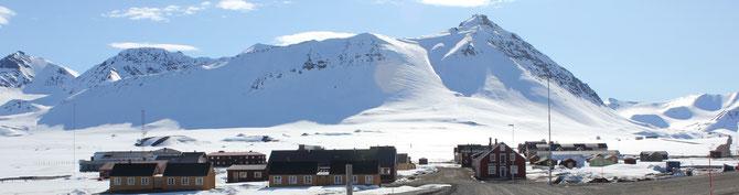 Früher Bergbau, heute Forschung: Ny-Alesund auf Spitzbergen ist der nördlichste Ort der Welt.