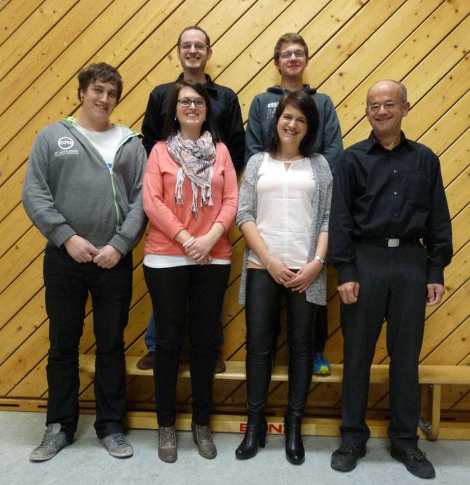 Unser Ausbilderteam. Hinten links Klaus Peter Behringer, Christian Sprich, vorn links Dominik Dietsche, Svenja Behringer, Ramona Behringer und Hubert Behringer.