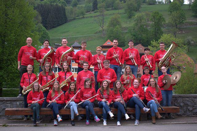 Hier die Bläserjugend Wieden e.V. 2015. Dirigent Martin Wiesler ganz links im Bild. (Bild mki)