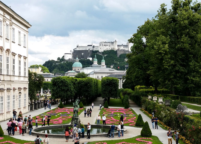 Mirabellgarten mit Blick auf die Festung