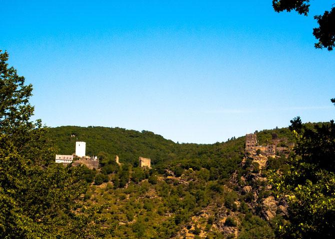 Die feindlichen Brüder. Burg Sterrenberg (links) und Burg Liebenstein (rechts), oberhalb von Kamp-Bornhofen.
