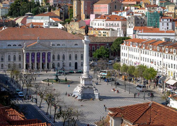 Blick auf den Rossio mit dem Bronzedenkmal für Pedro IV
