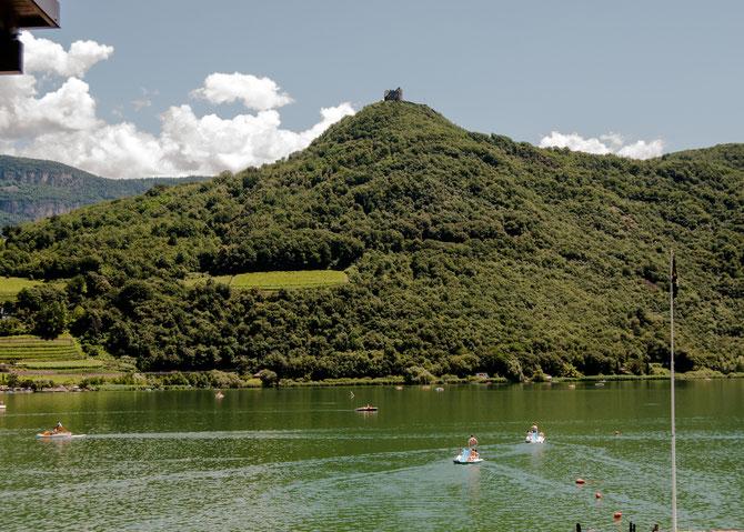 Über dem See trohnt die Ruine Leuchtenburg