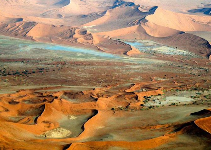 Die Sterndünen am Sossusvlei sind unbeweglich und gelten als die höchsten Dünen der Welt
