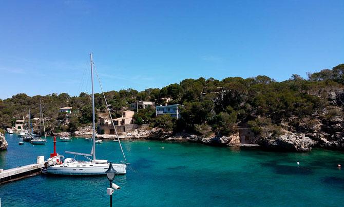 Unser Blick während der Mittagspause über die Cala Figuera.