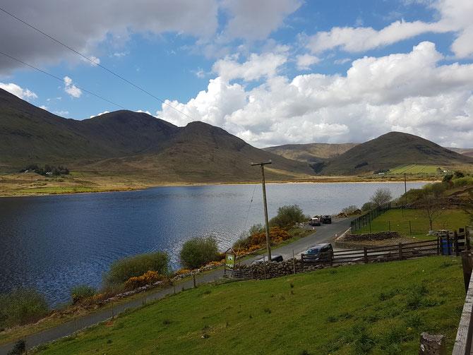 Eine Rundreise im Westen Irlands hat Überraschendes zu bieten. Die Schönheit der Landschaft macht den Besuch unvergesslich.
