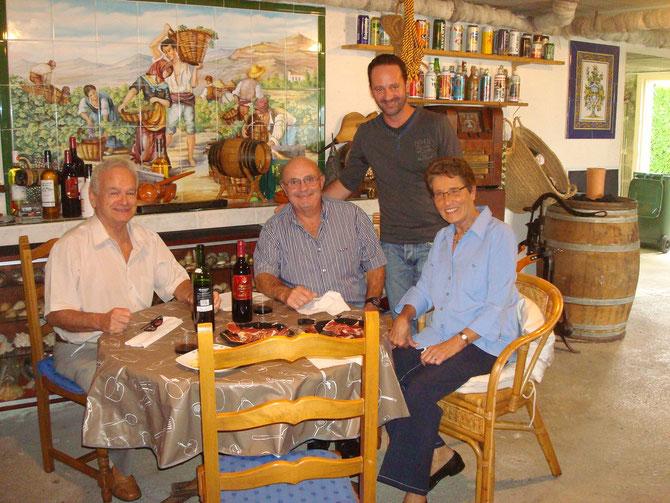 A gauche le Professeur Alain du CHU de Limoges et son épouse !!! Aprés Sébastien Dufour et son père TIENS UN RESTO DE SUSHI RUE DE LA LOIS LIMOGES