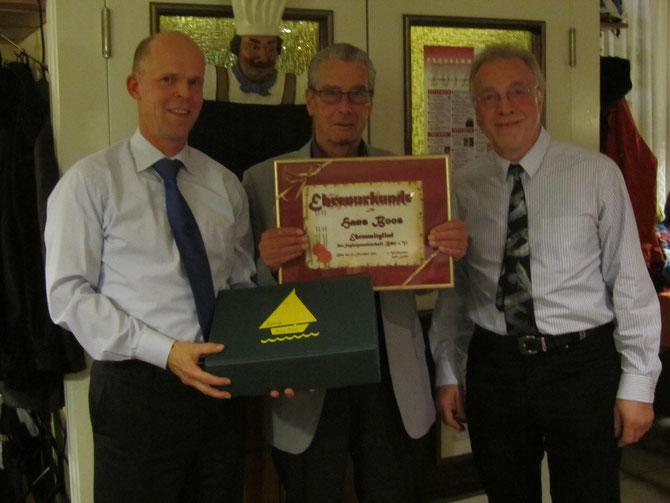 Verleihung der Ehrenmitgliedschaft an Hans Boos (v.l. Jörg Erdmann, Hans Boos, Gerd Leutner)