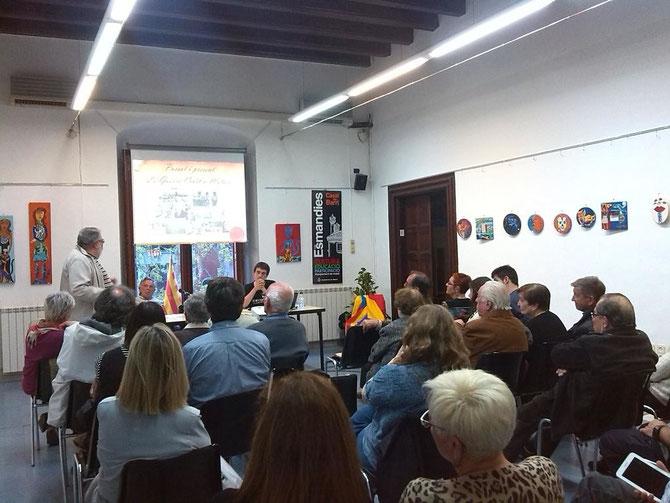 Una imatge de la presentació del treball de recerca d'en Bernat Cantó i Codina (Les Esmandies-Casal de Barri, 14 d'abril de 2016)