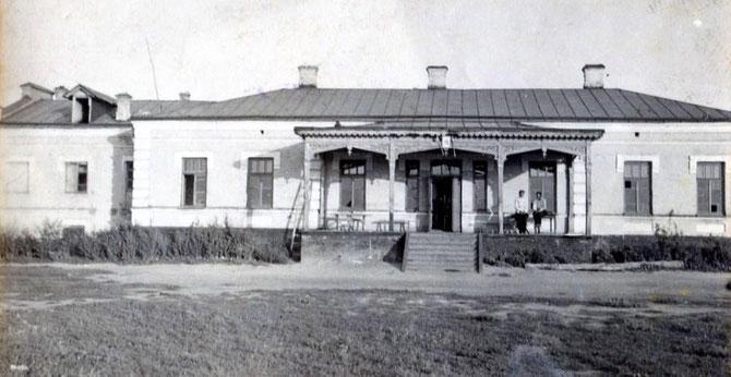 Стара школа Чутового. Фото Надії Фисун