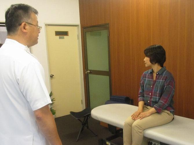 頸椎の回転検査です