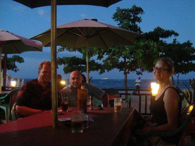 ... und ca. 40 Minuten spaeter  am Long Beach, im Hintergrund tuckert sie dahin, Richtung Virgin Islands.