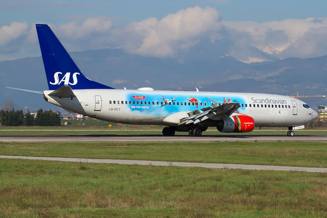 LN-RCY B737-883 28324/767 SAS Scandinavian Airlines - Scandinavian Airlines System