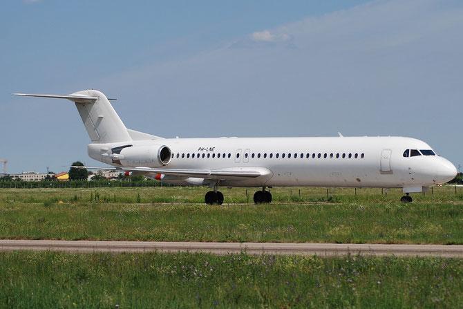 PH-LNE Fokker 100 11322 Denim Air