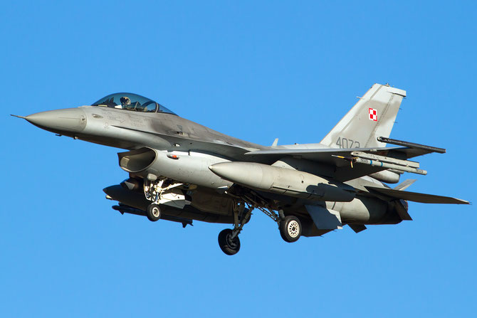 4072  F-16C-52CF JC-33 32.BLT (10.elt