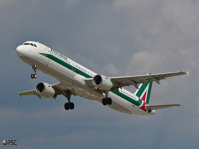 EI-IXZ A321-112 848 Alitalia