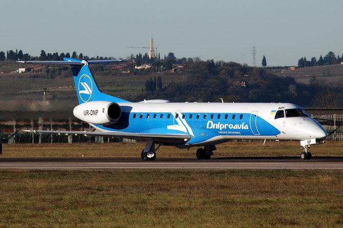 UR-DNP ERJ145EP 145290 Dniproavia @ Aeroporto di Verona © Piti Spotter Club Verona