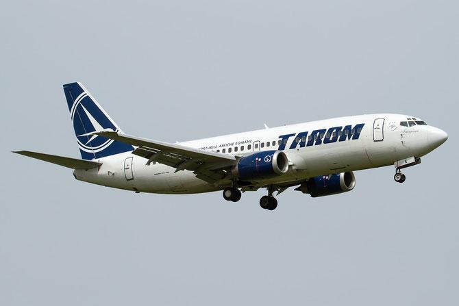 YR-BGE B737-38J 27395/2671 TAROM - Transporturile Aeriene Romane