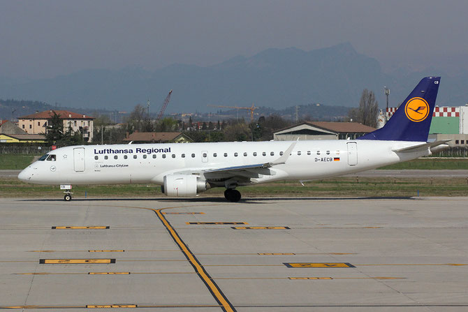 D-AECB ERJ190LR 19000332 Lufthansa CityLine @ Aeroporto di Verona © Piti Spotter Club Verona