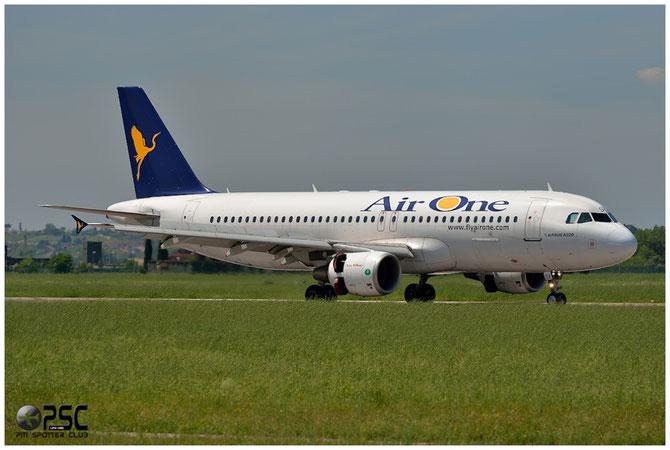 EI-DSY A320-216 3666 Air One
