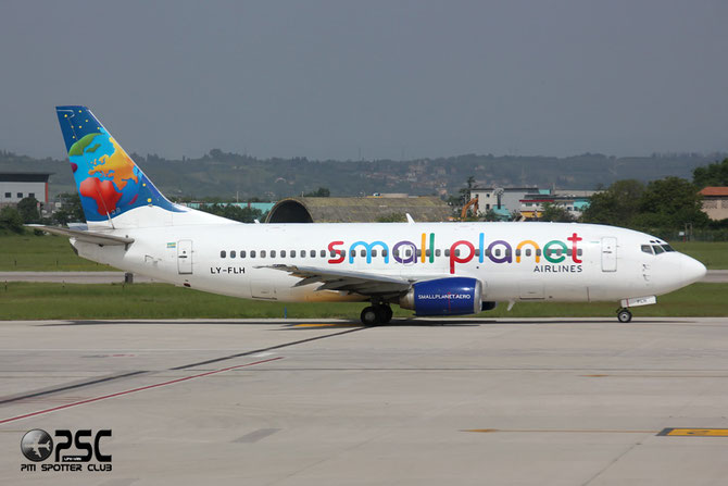 LY-FLH B737-382 25161/2226 Small Planet Airlines