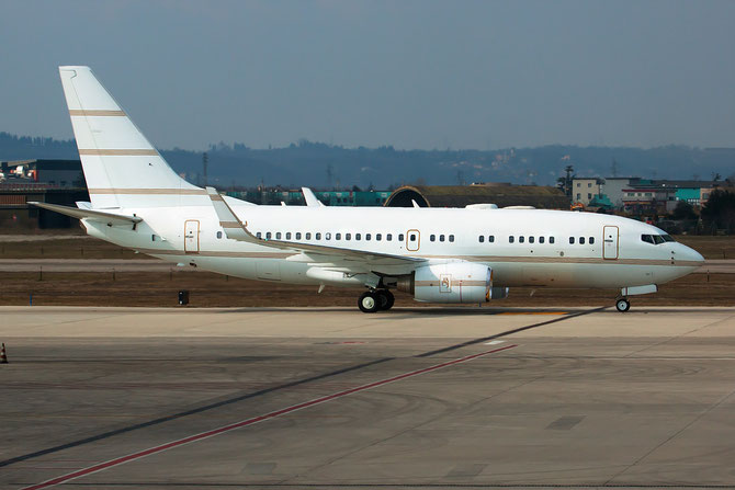 P4-BBJ B737-7AV (BBJ1) 30070/244 Carre Aviation