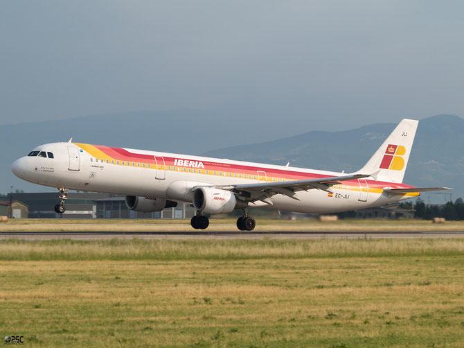 EC-JLI A321-211 2563 Iberia Líneas Aéreas de España