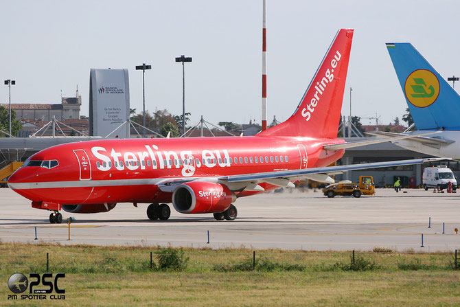 OY-MRD B737-7L9 28007/136 Sterling European Airlines