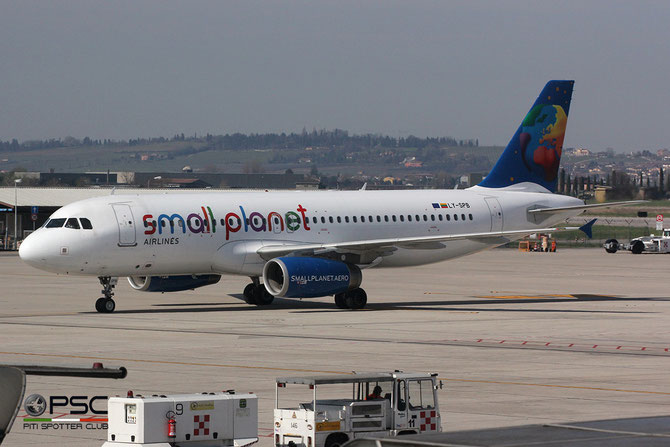 LY-SPB A320-232 2987 Small Planet Airlines @ Aeroporto di Verona © Piti Spotter Club Verona