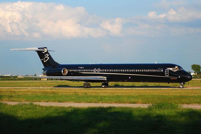 F-GMLU MD-83 49398/1332 Blue Line