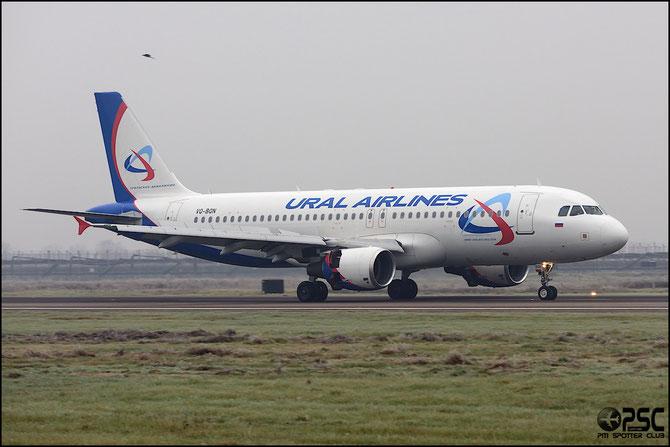 VQ-BQN A320-214 3433 Ural Airlines @ Aeroporto di Verona © Piti Spotter Club Verona