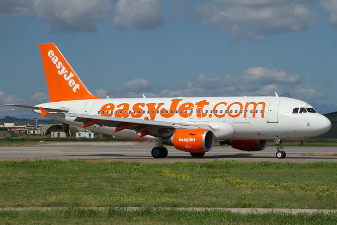 Airbus A319 - MSN 4327 - G-EZFV @ Aeroporto di Verona © Piti Spotter Club Verona