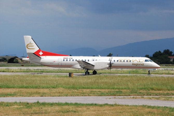 HB-IZW Saab 2000 2000-039 Darwin Airline 29may14 opf Etihad Regional