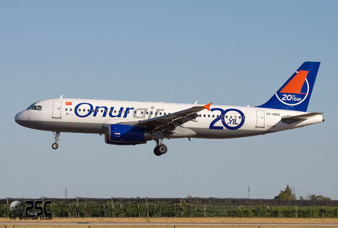 TC-OBG A320-233 916 Onur Air