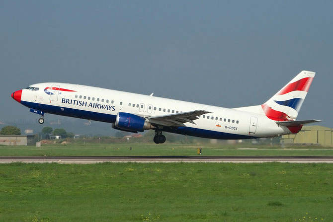 Boeing 737 - MSN 25857 - G-DOCX @ Aeroporto di Verona © Piti Spotter Club Verona