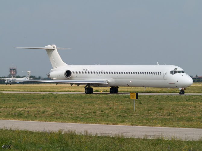 YR-HBY MD-83 49950/1913 Medallion Air