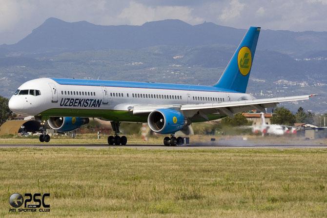 VP-BUH B757-231 30339/896 Uzbekistan Airways @ Aeroporto di Verona © Piti Spotter Club Verona