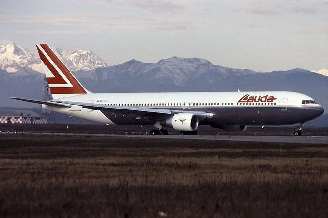 OE-LAT B767-31AER 25273/393 Lauda Air