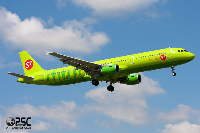 VQ-BQJ A321-211 2076 S7 Airlines