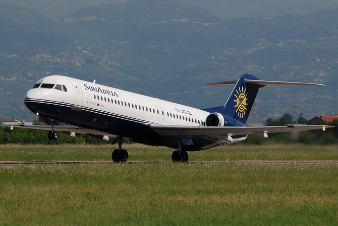 9A-BTD Fokker 100 11407 Trade Air - SunAdria @ Aeroporto di Verona © Piti Spotter Club Verona