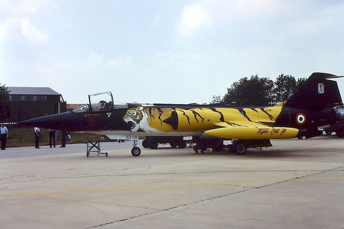 MM6825 5-31 F-104S-ASA 1125 Cervia (53-06 Tiger Meet 1988)