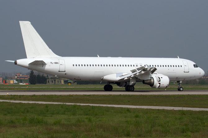 YL-BBC A320-211 142 SmartLynx