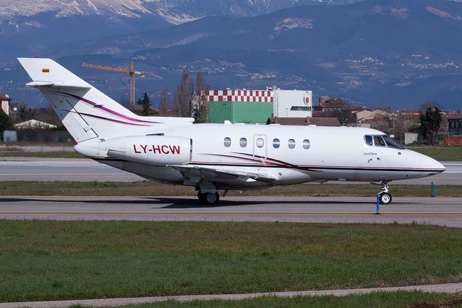 LY-HCW BAe125-800XP 258398 HC Airways