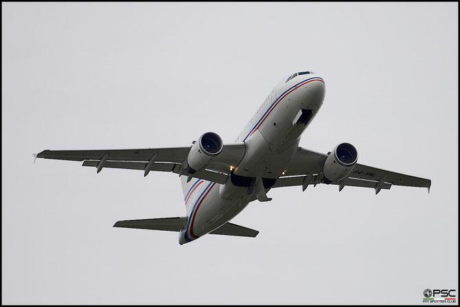 P4-VNL A319-115 (ACJ) 2921 Global Jet Luxembourg @ Aeroporto di Verona © Piti Spotter Club Verona