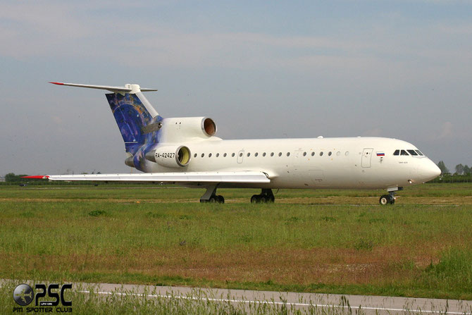 RA 42427 - Airline: S-Air Aircraft: Yakovlev Yak-42D