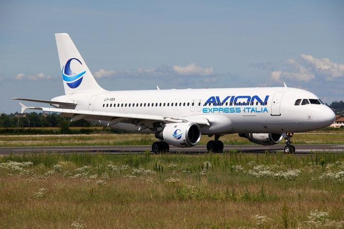 LY-VEX A320-212 375 Avion Express