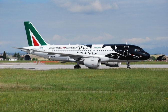 "EI-IMI A319-112 1745 Alitalia 25nov10 Special ""Friuli Venezia Guilia""-c/s apr14"