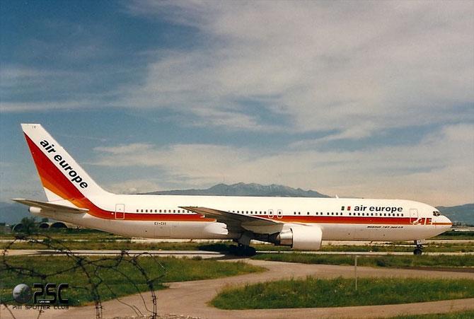 I 767 di Air Europe Italy, qui nella vecchia livrea, diverranno ospiti ricorrenti al Catullo per oltre dieci anni.