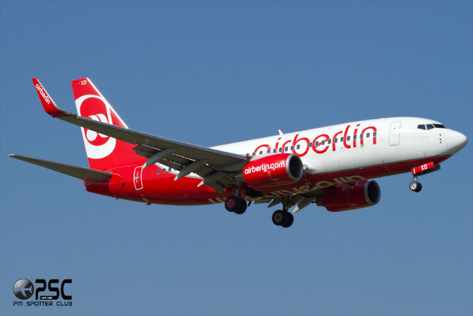 D-AHXD B737-7K5 30726/2298 Air Berlin