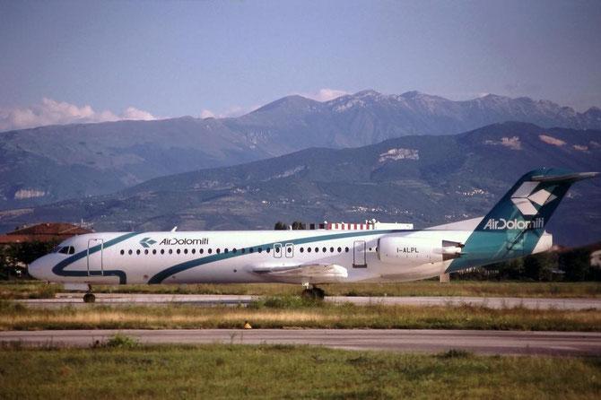 Nel 1999 Air Dolomiti, per fronteggiare l'aumento dell'operativo, acquista due Fokker 100 da Alpi Eagles
